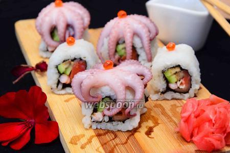 Ролл с осьминогом