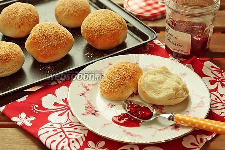 Хлебные булочки с присыпкой