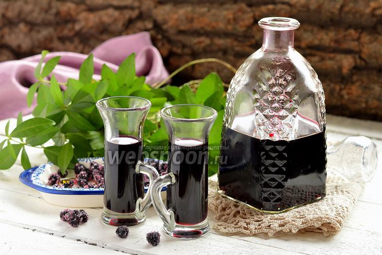 Рецепт Настойка из чёрноплодной рябины