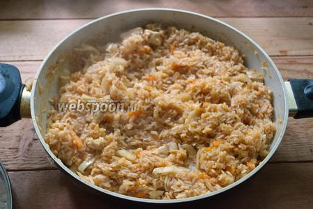 В самом конце приготовления добавьте различные специи, соль и перец. Доведите до готовности и выключайте. Готово.
