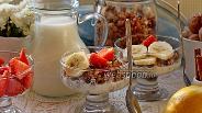 Фото рецепта Гранола с бананом и грушей
