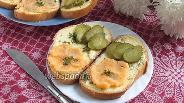 Фото рецепта Бутерброды с икрой мойвы и горчичным маслом