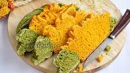 Фото рецепта Морковно-шпинатный хлеб «Цветок»