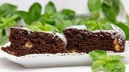 Фото рецепта Шоколадно-банановый пирог с базиликом