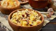 Фото рецепта Зимний салат с копчёной скумбрией