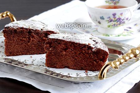 Шоколадный пирог с мятой и вяленой клюквой