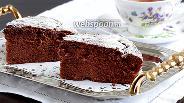 Фото рецепта Шоколадный пирог с мятой и вяленой клюквой