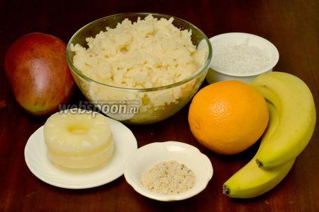 Для приготовления сладких роллов нам понадобится заранее приготовленный сладкий рис, как в  рецепте «Десертные роллы «Мозаика» , апельсин, банан, манго, консервированный ананас кольцами. Количество фруктовых добавок будет значительно меньше, чем указано в ингредиентах, но вырезать нужно из целого фрукта.