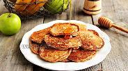 Фото рецепта Бананово-яблочные оладьи