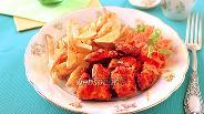 Фото рецепта Куриные наггетсы маринованные в томатно-йогуртовом соусе