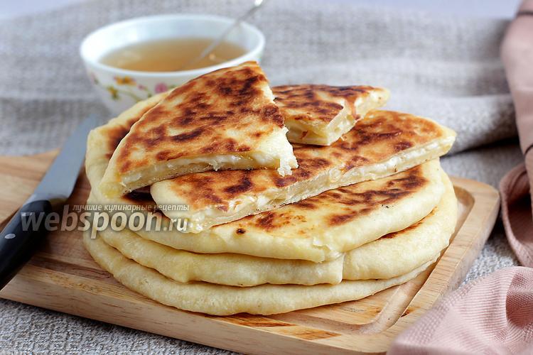 Фото Хачапури с сыром и брынзой