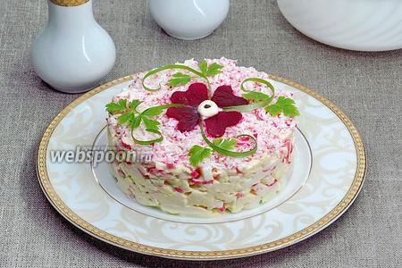 Салат из крабовых палочек, сыра и яиц