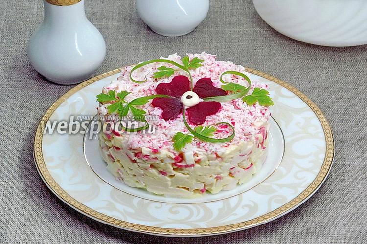 Фото Салат из крабовых палочек, сыра и яиц