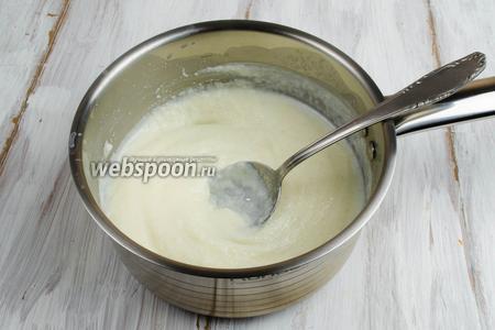 За 2 минуты до готовности добавить в кашу ванильный сахар. Остудить.