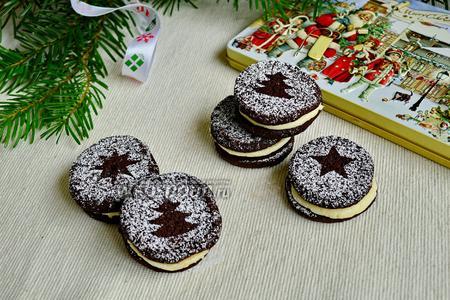 Шоколадное печенье с миндальным кремом