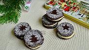 Фото рецепта Шоколадное печенье с миндальным кремом