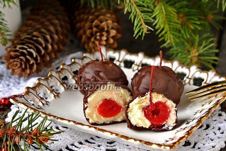Десерт «Вишня в творожной шубке»