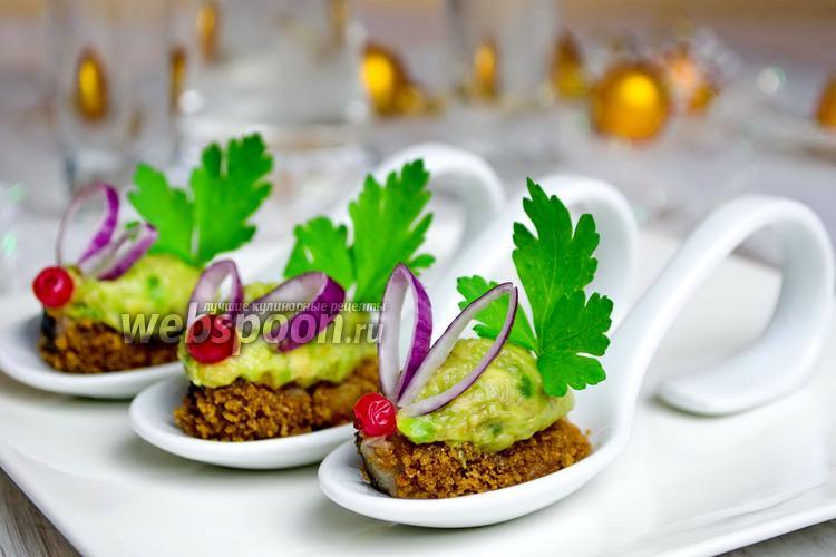 Фото Закуска из скумбрии с авокадо