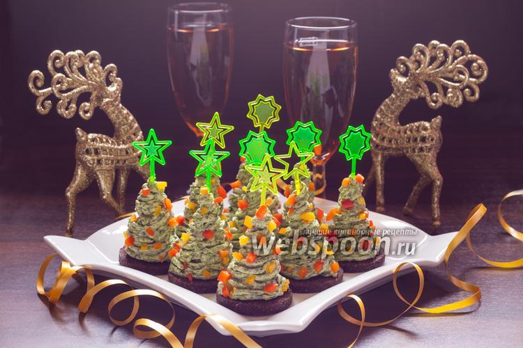 Фото Канапе с сыром «Новогодняя ёлка»