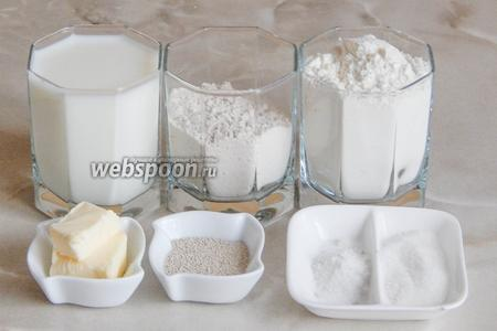 Печь амарантовый хлеб мы будем из таких продуктов, как: мука пшеничная и амарантовая, молоко, масло сливочное, соль, сахар и сухие дрожжи (можно заменить свежими — 15 граммов).
