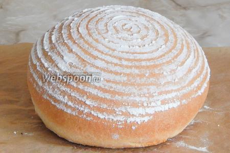 Выпекаем хлебушек при 220 градусах на пару первые 10 минут. Затем убираем миску и выпекаем хлеб при 180 градусах около 40 минут.
