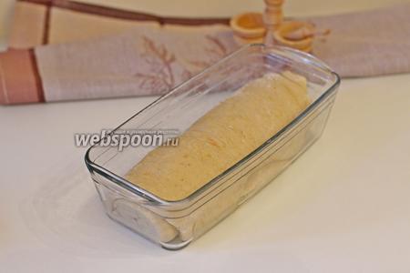 Подошедшее тесто поставить в заранее разогретую духовку до 190°С на 30 минут.