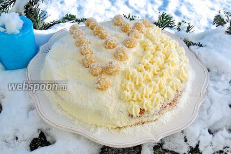 Миндально-кокосовый торт с марципаном