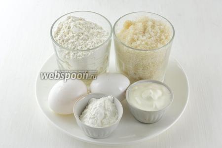 Для приготовления вафель «Лакомка» нам понадобятся яйца, сметана, мука, крахмал, сахар, соль.
