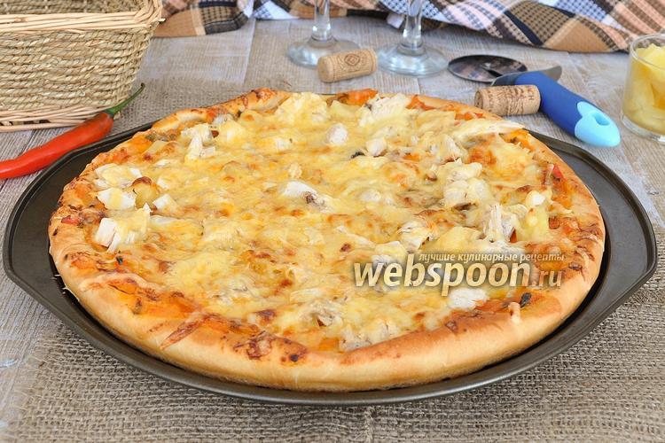 Фото Пицца с ананасами и курицей