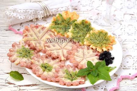 Фото рецепта Разноцветные вафли