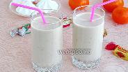 Фото рецепта Коктейль молочно-банановый с карамельным пудингом и мороженым