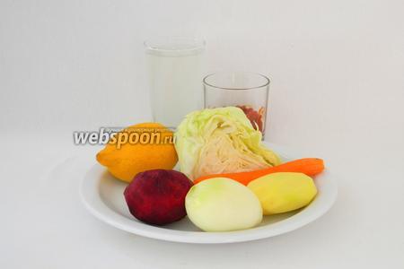 Для приготовления полтавского борща с галушками начнём с самого борща. Для него возьмём куриный бульон, борщевую заправку или помидоры, капусту, лук репчатый, лимон, морковь, картофель, свёклу, соль, перец чёрный, сахар, жир для жарки.