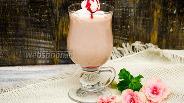 Фото рецепта Гоголь-моголь малиновый
