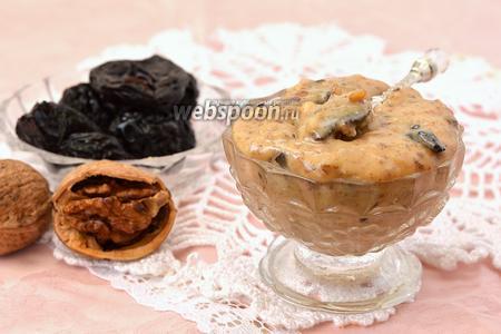 Молочный крем с черносливом и орехами