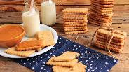 Фото рецепта Крекеры с грецкими орехами