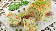 Фото рецепта Паровой рыбный рулет с морковью и горошком в мультиварке