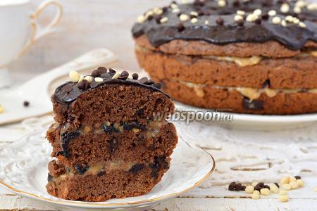 Шоколадный кекс с кусочками шоколада в мультиварке