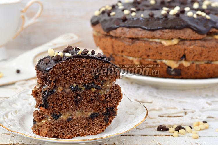 Фото Шоколадный кекс с кусочками шоколада в мультиварке