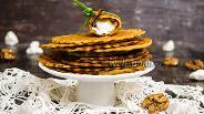 Фото рецепта Вафли из кукурузной муки с орешками