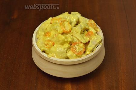 На гарнир к этой курице хорошо подать рис. Сливочный вкус курицы, дополненный лёгким апельсиновым ароматом, обязательно понравится!