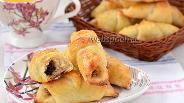 Фото рецепта Сырные рогалики с сухофруктами