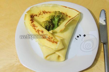Омлет с брокколи готов к употреблению тёплым. Приятного аппетита!