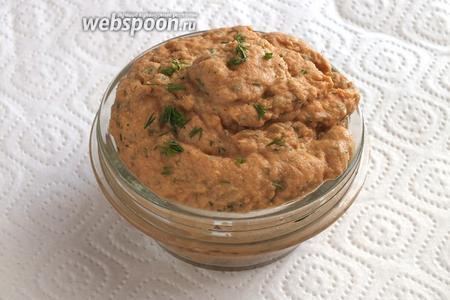 Рийет готов. Подавайте его с хлебом или крекерами в качестве холодной закуски! Хранить рийет в холодильнике лучше не более 36 часов. Приятного аппетита!