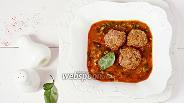 Фото рецепта Суп с мясными фрикадельками, нутом и шпинатом