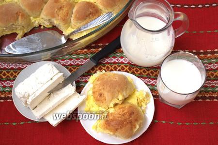 Фото рецепта Милинки — деревенские булочки в омлете
