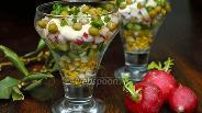 Фото рецепта Весенний салат с редисом