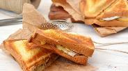 Фото рецепта Сэндвич с камамбером, орехами и яблоками