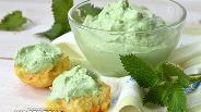 Фото рецепта Домашний крем-чиз с молодой крапивой