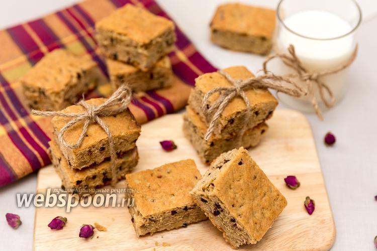 Фото Нарезной арахисовый пирог с орехами и шоколадом