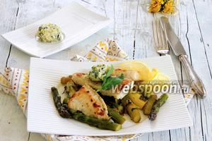 Пангасиус на спарже с базиликовым маслом